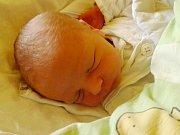 Jmenuji se CHRISTOS LIOLIOS, narodil jsem se 13. prosince, při narození jsem vážil 3175 gramů a měřil 50 centimetrů. Moje maminka se jmenuje Pavlína Lioliu a můj tatínek se jmenuje Christos Liolios. Bydlíme v Holčovicích.