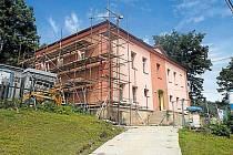 Rekonstrukce domu, kde se  otevře komunitní bydlení.