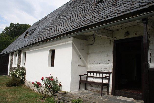 Skutečným pokladem Holčovic jsou zachovalé prvky lidové architektury a citliví majitelé, kteří pečují ototo kulturní dědictví.