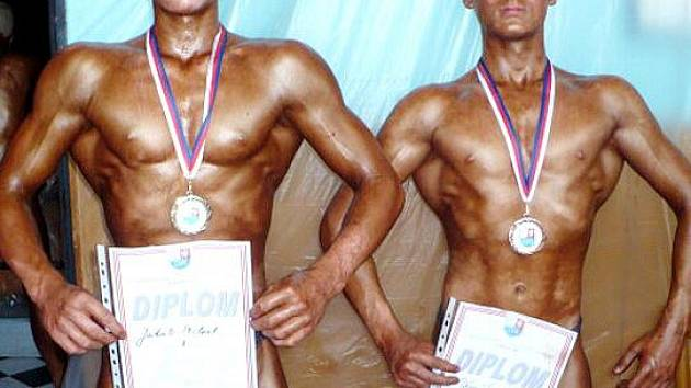 Jakub Prchal (vlevo) získal titul mistra České republiky ve váze do 65 kilogramů mladšího dorostu.