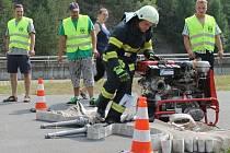 Na vodní nádrži Slezská Harta se během uplynulého víkendu rozhořely líté boje mezi hasiči při jubilejním závodu z kategorie T. F. A. s názvem Hartaman 2015.