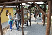 V Janovicích u Rýmařova bylo otevřeno Muzeum turistických známek. Je zde u Nultý rozcestník, který má známkové místo 2000.