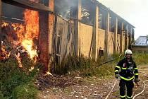 Bruntálští dobrovolní hasiči v akci.