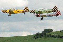 Krnovský letecký aeroklub nabízí všem zájemcům vyhlídkové lety. Provádí ale i plachtařské výcviky.