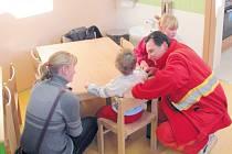 Některé děti si školku mohli při jejím slavnostním otevření ve čtvrtek 2. ledna vyzkoušet nanečisto.