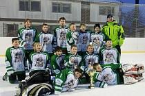 Malí hokejisté Rýmařova vyhráli na vlastním ledě turnaj čtvrtých tříd. Foto: