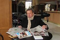 Miroslav Horák je v oboru gastronomie skutečná celebrita. Přichází do Krnova s velkými plány. Otevření Radniční restaurace je podle něj teprve první vlaštovka z rozsáhlého projektu, který hodlá postupně realizovat v následujících měsících a letech.