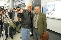 Stanislav Chytil se na letišti v Chicagu přivítal s Karlem Dospivou.