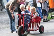 Na své si v zahradě SVČ Méďa v Krnově přišly především děti. Nejmenší návštěvníci si mohli vyzkoušet jízdu na koních či střelbu z praku.