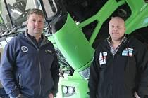 Nerozlučná dvojice kamionistů Martin Kolomý (vlevo) a Marek Spáčil (vpravo) z bruntálského Czech Dakar Teamu týden před tuniskou rallye.