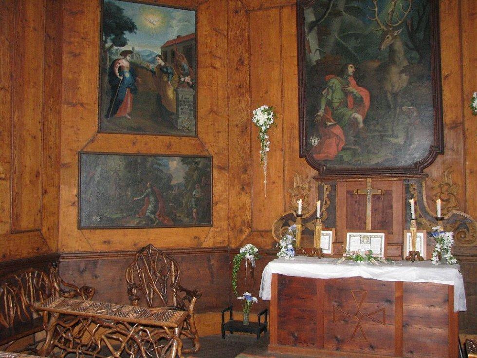 Na snímku interiér Hubertovy kaple.