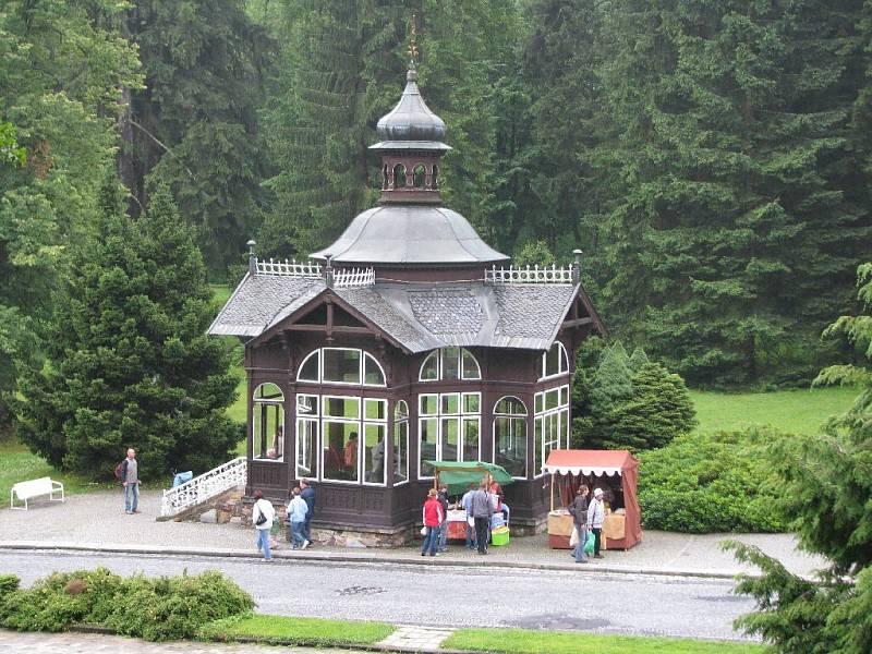 Na snímku Pitný pavilon.