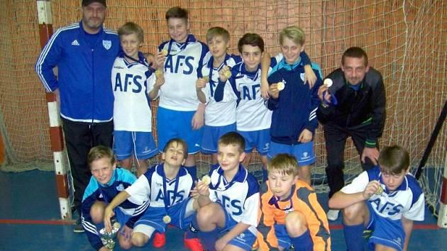Přeborníkem OFS Bruntál se mezi mladšími žáky stali mladí fotbalisté Slavoje Olympie Bruntál.