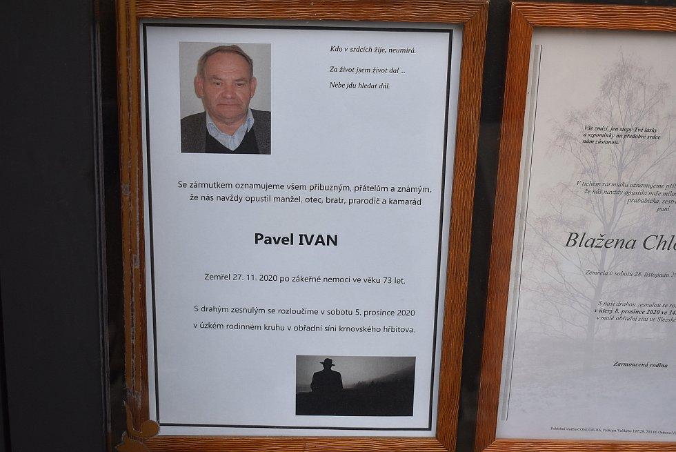 Krnovští divadelníci se přišli rozloučit s Pavlem Ivanem. Dělal divadelního technika rovných padesát let.
