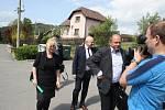 Ministr zemědělství  Jiří Milek přijel do Zátoru seznámit se s plánovanou přehradou. K petici občanů Nových Heřminov se ministr vyjádřil zdrženlivě, protože se s problematikou přehrady teprve seznamuje.