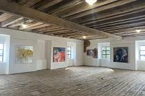 Otevření galerií návštěvníkům zajím ještě vláda nepotvrdila, ale v Úvalně na Rychtě už mají připravenou výstavu obrazů Tibora Červeňáka. Chtěli by ji poprvé otevřít 8. května.