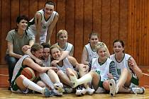 Obrovskou radost měly po skončení pátého utkání s pražským Prosekem basketbalistky Lokomotivy Krnov.