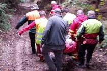 Zdravotnická záchranná služba zasahovala v úterý dopoledne, u vážného úrazu muže v Holčovicích-Spálené.