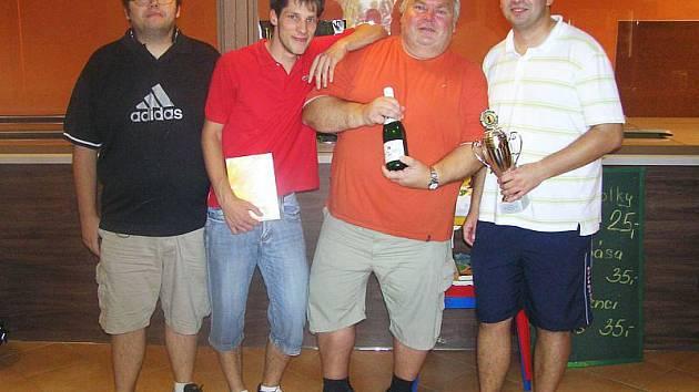Hráši týmu TKT obhájili loňský triumf na bowlingovém turnaji v Krnově.