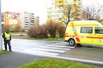 Velice nepříjemný střet s osobním autem Octávia zažil v pondělí 8. listopadu devětasedmdesátiletý krnovský senior.