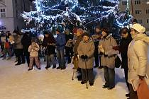 Akce Deníku Česko zpívá koledy na náměstí v Rýmařově v roce 2018.