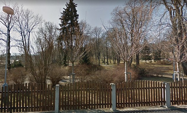 Město Albrechtice se přihlásilo do projektu Slepá místa, aby získalo kamerový systém na hlídání Parku Bedřicha Smetany, kde často řádí vandalové.