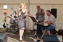 Město Bruntál a Městské divadlo uspořádaly v sobotu 31. července od 14 hodin na náměstí Míru jazzový festival.