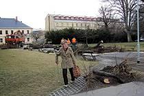Dva krnovské projekty na obnovu Smetanových sadů a opravu divadla skončily mezi neúspěšnými žadateli o dotaci. Důvodem vyřazení byly zřejmě hlavně příliš vysoké náklady na jednotku plochy.