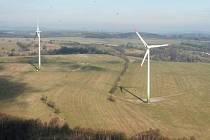 Větrné elektrárny se zabydlují v naší krajině ve stále masivnějším měřítku. V Moravském Berouně se proti záměru firmy Oswind zvedl nečekaně silný odpor.