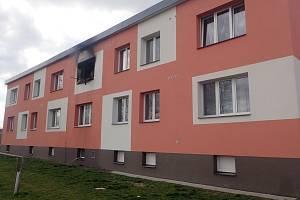 Požár v bytě v Hlince na Bruntálsku, 28. března 2021.