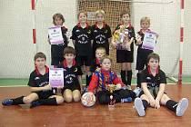 Zaslouženým vítězem mládežnického halového turnaje v kopané se stali hráči ze Sokola Vrbno pod Pradědem.
