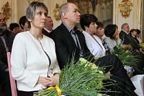 V bruntálském muzeu předalo vedení Krajského úřadu Moravskoslezského kraje u příležitosti Dne učitelů ocenění dvaceti pěti pedagogickým pracovníkům škol a školských zařízení.