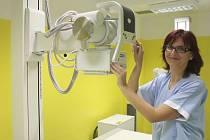 Moderní přístroj umožní pacientům rýmařovské nemocnice získat rychleji výsledky radiologického vyšetření.