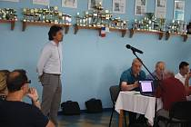 DANIEL BURYŠ se v listopadu stal novým generálním ředitelem Kofoly pro Česko a Slovensko. Přesvědčil krnovské zastupitele, aby podpořili záměr Kofoly  na modernizaci logistiky.