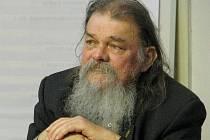 Mikuláš Rutkovský, 70 let, sochař, medailér, heraldik, malíř z Krnova.