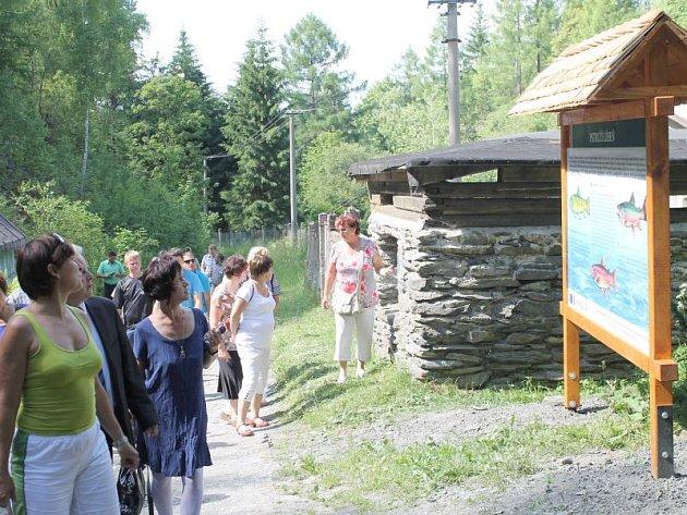 Otevření stezky v Břidličné a její prohlídky se účastnili představitelé obcí bruntálského regionu i přátelé z polského Ujazdu a slovenské Levoče.