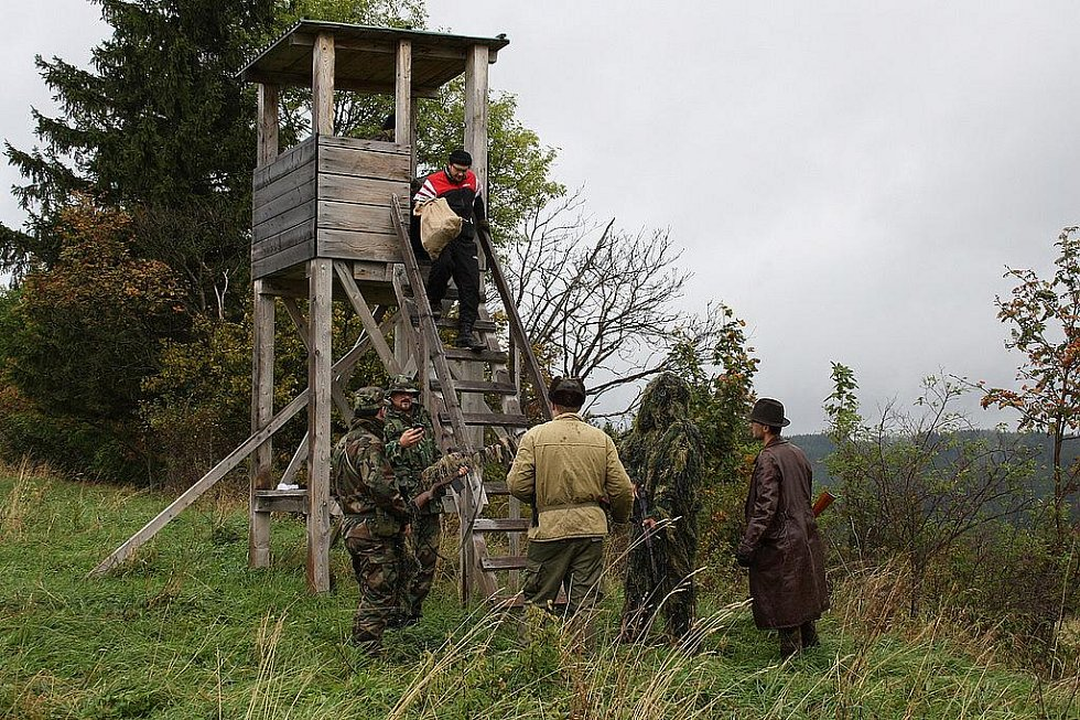 Na prostranstvích nad místní základní školou proběhlo pokračování military - airsoftové akce pod názvem Balkán. Rekonstrukce války se uskutečnila v sobotu 8. října 2011 a zúčastnilo se jí okolo pětatřiceti vojenských příznivců.