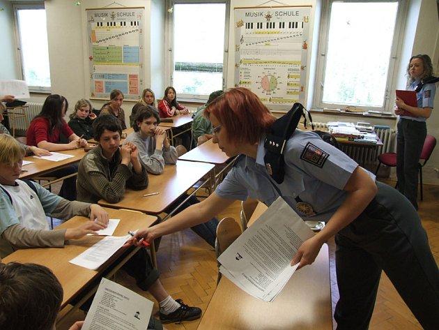 Policisté navštívili školu v Andělské Hoře.
