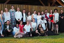 Kočovná divadelní společnost letos vsadila na klasiku Boženy Němcové Zlatý lupínek.