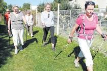 Severská chůze neboli kurz nordic walkingu pod vedením zkušené lektorky Lenky Sehnalové měly loni velký úspěch.
