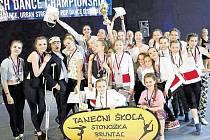 Stonožky na mistrovství republiky v Jablonci nad Nisou po úspěšném přebrání všech cen.