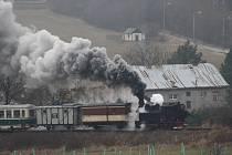 Mimořádná parní jízda s lokomotivou Rešica veřejnosti připomněla, že úplně první jízda se na Osoblažce uskutečnila před 120 lety v prosinci 1898. Originálním suvenýrem z této mimořádné jízdy jsou perníčky s číselným označením Rešicy: U46 002.