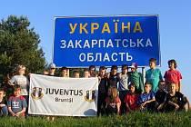 Malí fotbalisté  Juventusu Bruntál se na mezinárodním turnaji přípravek v ukrajinském Užhorodě neztratili.