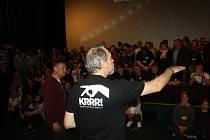 Do Krnova na festival Krrr! přijíždí filmoví fanoušci z celé republiky i ze zahraničí. Letošní ročník si budou připomínat skupinovou fotografií.