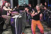 Evolution Dejavu odehráli v listopadu 2008 v krnovském klubu Kofola nezapomenutelný strhující koncert. Kam se jejich tvorba ubírá dnes, zjistí jejich příznivci v Kofole 2. října od 20 hodin.