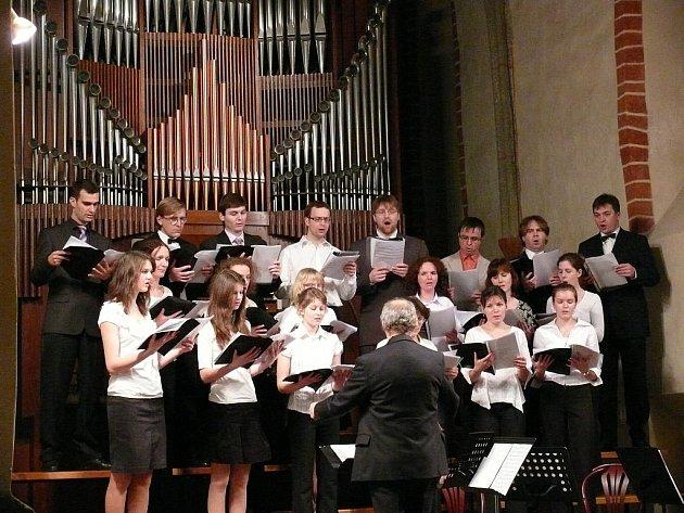 Benefiční koncert pomůže sirotkům a Haiti.