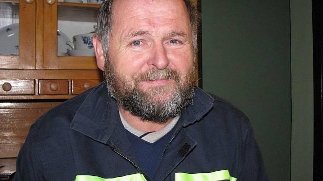 Jaroslav Hudec ze Světlé Hory si dodnes rád oblékne hasičskou uniformu. Dobré i zlé v místní jednotce zažíval více než pětatřicet let.