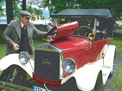Ford T vyrobený v roce 1926 vypadal, jako by právě sjel z výrobní linky. Lumíra Daka to stálo rok usilovné práce.