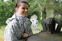 Divadelní a hudební vlohy má a láskou k přírodě i zvířatům přímo hoří studentka bruntálské zemědělské školy Lucie Unverdorbenová. Právě herečkou a případně zpěvačkou by se nadějná a pilná dívka v budoucnu ráda stala.