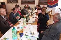 Rada euroregionu Praděd se schází na různých místech zhruba osmkrát během roku, aby jednala o plánech do budoucna a hodnotila dosavadní činnost.